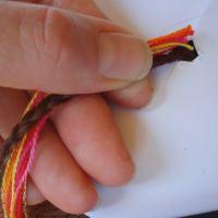 Holding threads for hairbraiding