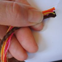 Holding threads for hairbraiding